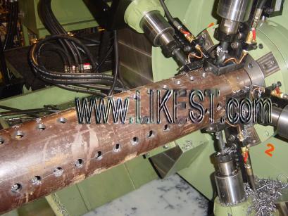 pipe perforation machine